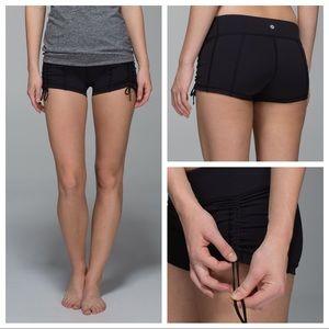 🎉2/$50! Lululemon Hot Hot Short - Black
